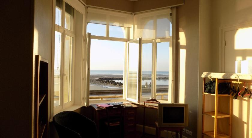 Two-Bedroom Apartment - View Appartement La Mer