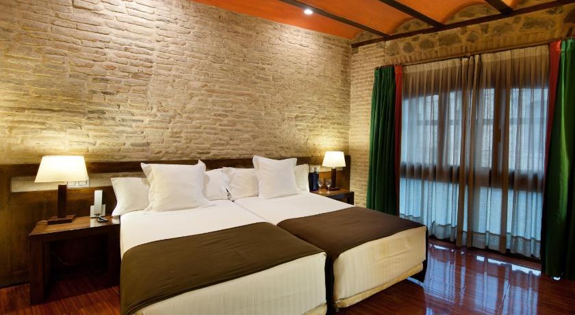 hoteles con encanto en toledo  18