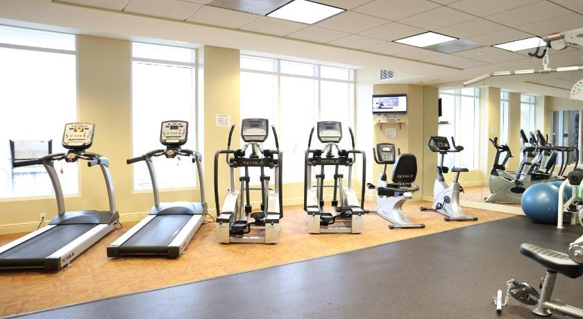 Fitness center Dadeland Towers by Miami Vacations