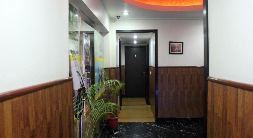 Lobby OYO Rooms Dwarka Sector 12 Metro Station