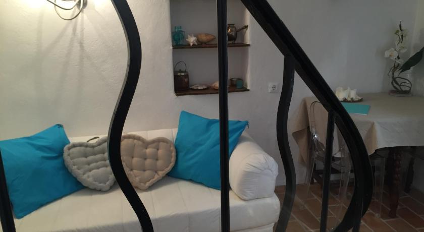 ... Casa AZA 19 Rue du Chateau Roquebrune-Cap-Martin ...