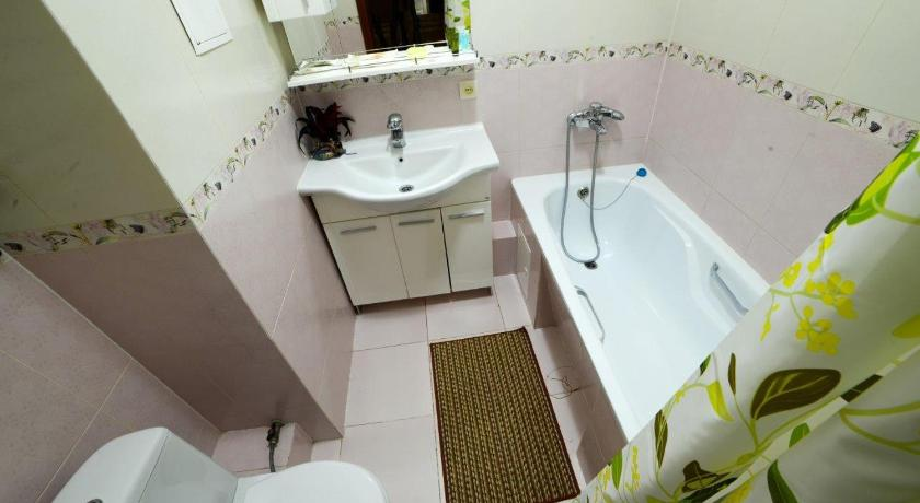Bathroom Apartment On Navoi 208
