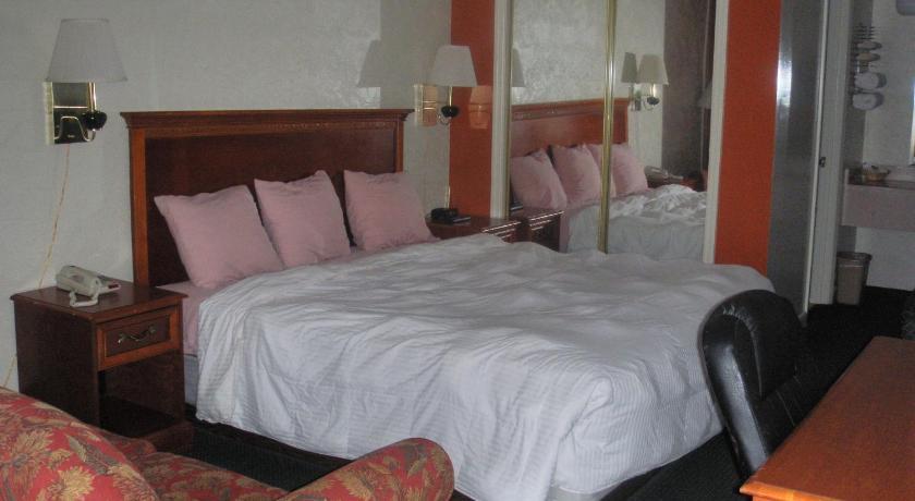 Applegate Inn
