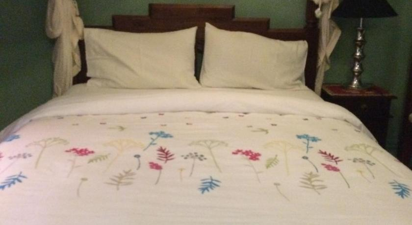 Double Room with Shared Bathroom - Bed Daly View Bed & Breakfast