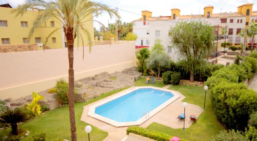 Swimming pool Apartment Montañar
