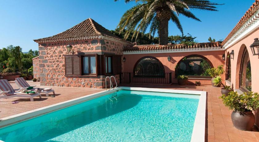 Villa bandama book online bed breakfast europe for Hotel villas las palmas texcoco
