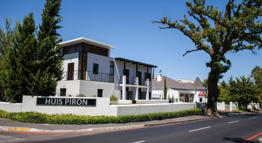Divine Living Apartments - Huis Piron
