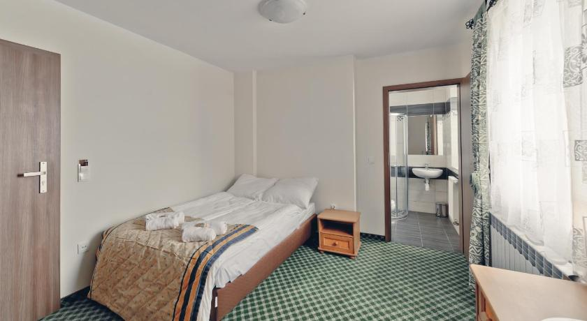 Double or Twin Room with Private Bathroom - Guestroom Pensjonat Limba