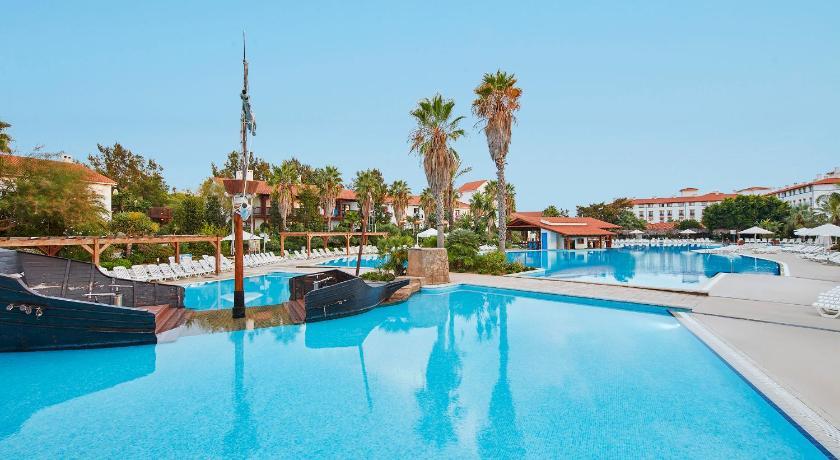 Best Price On Portaventura Hotel El Paso Includes Park Tickets In Salou Reviews