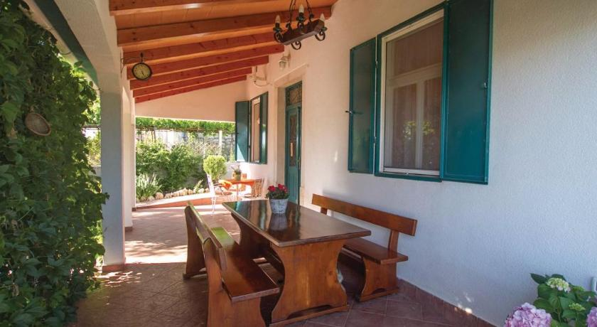 Holiday home Diminici IV