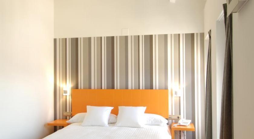 Hotel Cienbalcones 22