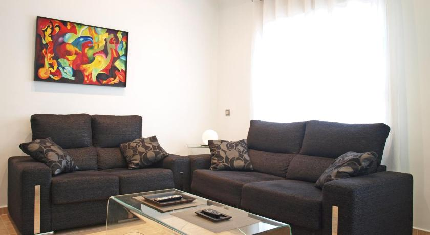 ApartUP Guimerá Center
