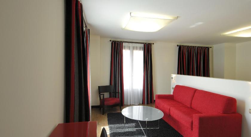 Hotel Cienbalcones 30