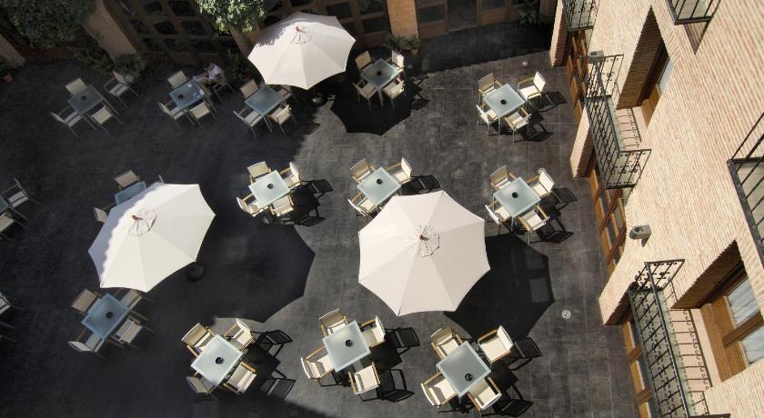Hotel Cienbalcones 31