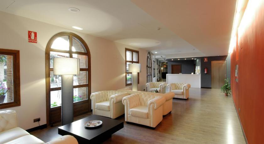 Hotel Cienbalcones 36