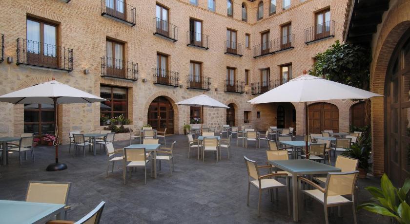 Hotel Cienbalcones 37