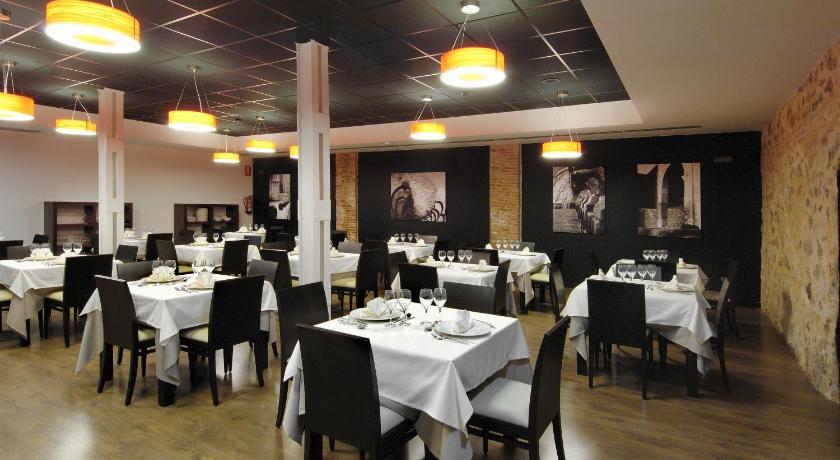 Hotel Cienbalcones 39