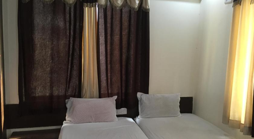 Pune 12 Star Service Apartments India, Asia