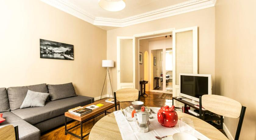 More about Square Petrelle Halldis Apartment