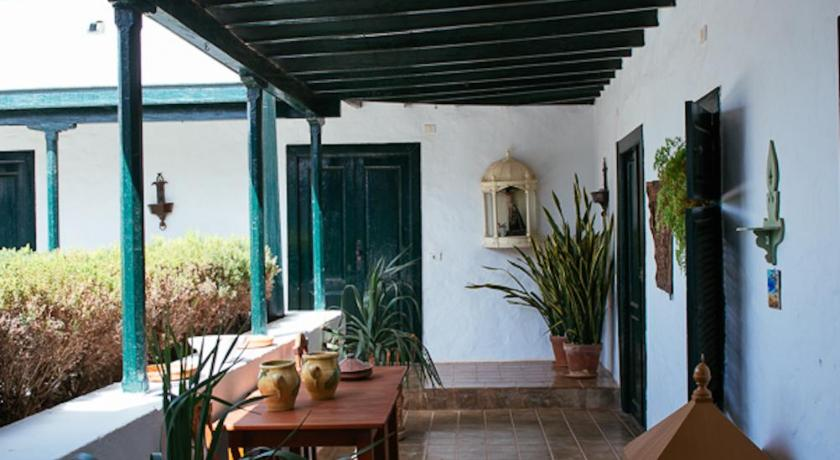 boutique hotels san bartolome  11