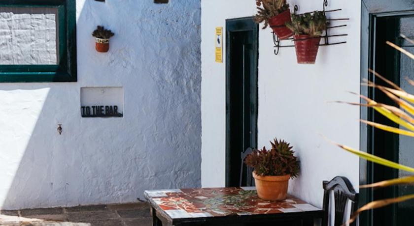 boutique hotels san bartolome  14
