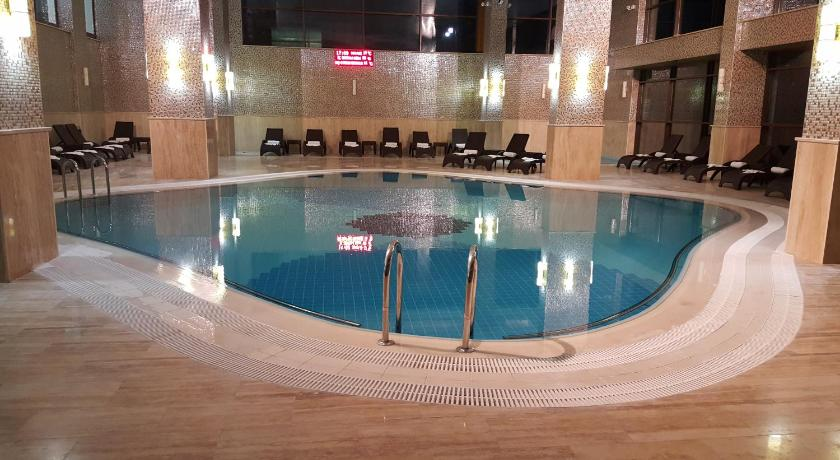 حمام السباحة Prestige Thermal Hotel Spa