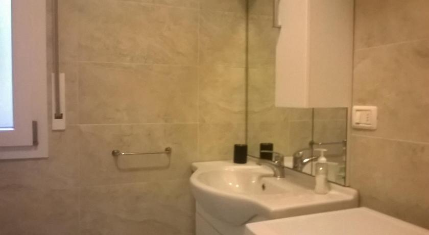 Studio with Balcony - Bathroom Attico Bellavista