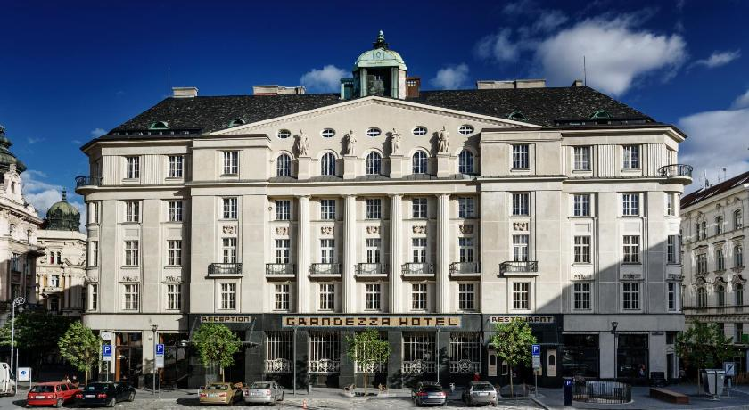 Best price on grandezza hotel luxury palace in brno reviews for Best value luxury hotels
