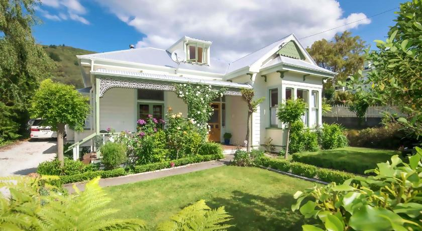 Fernview Cottage Bed & Breakfast | New Zealand Hotels Deals