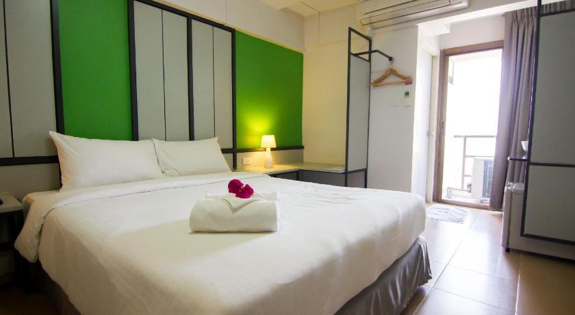 regent ngamwongwan 9 in bangkok room deals photos reviews rh agoda com