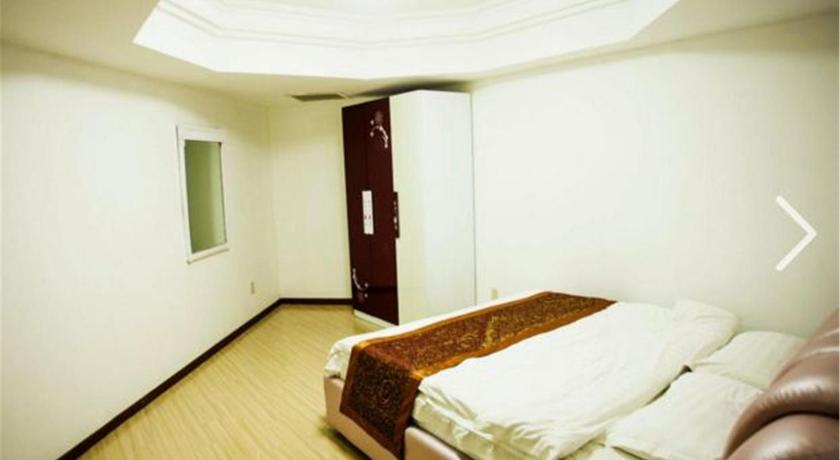 Beijing Jiaxing Apartment