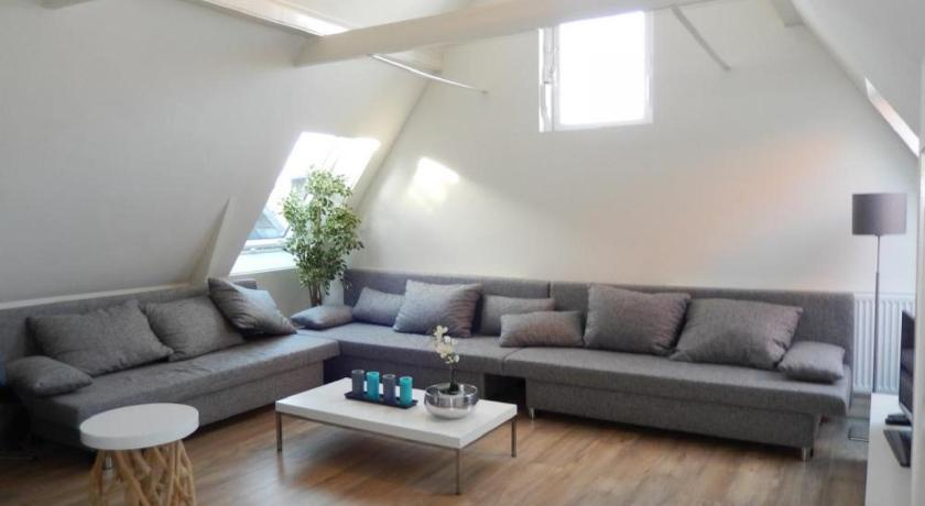 Marnix Light Apartment