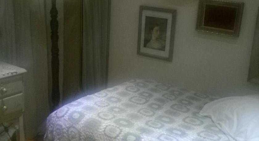 Single Room with Garden View - Bed Milinda's