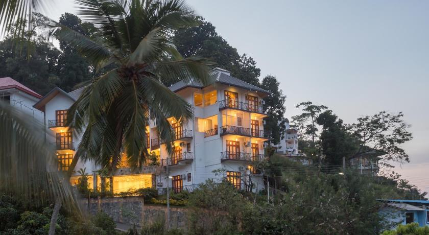 Serene Grand Villa | Sri Lanka Budget Hotels