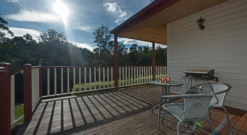 One-Bedroom Cottage - Adult Only - Recreational facilities Crabtree Riverfront Cottages