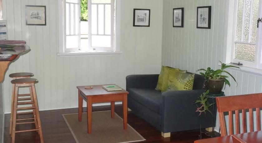 Two-Bedroom Holiday Home Eco Queenslander Holiday Home