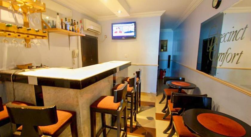 Bar/lounge Precinct Comfort Services, Ikoyi