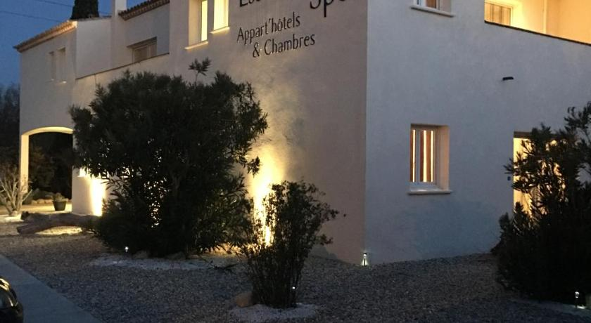 Appart 39 h tel et chambres essentiel spa r servez en ligne for Arles appart hotel