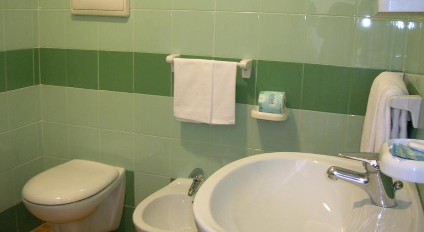 Single Room - Bathroom Alle Crosere