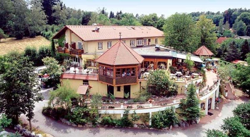 Häuserl im Wald Roseggerweg 105 Graz