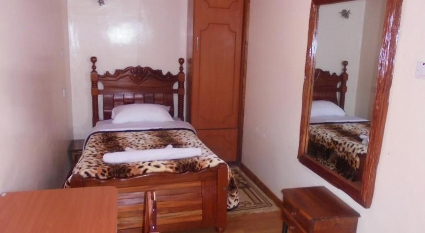 Deluxe Single Room Homely Guest House