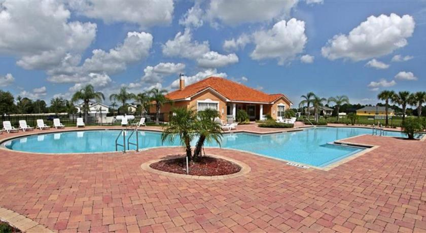 Pool Four Bedroom Vacation Home 47Bd62