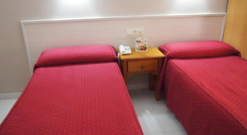 Twin Room - Guestroom Hostal Atienzar