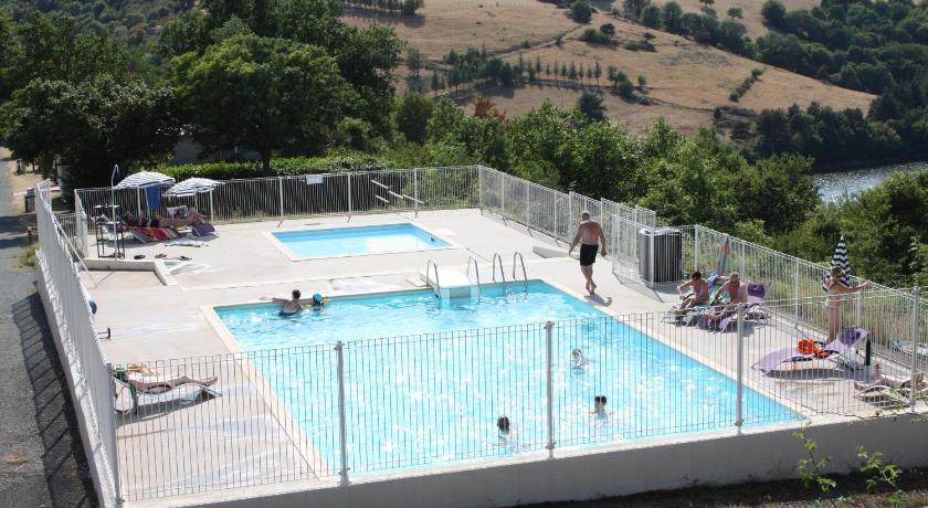 Swimming pool Camping de Mars