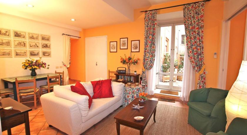 Two-Bedroom Apartment San Giovanni