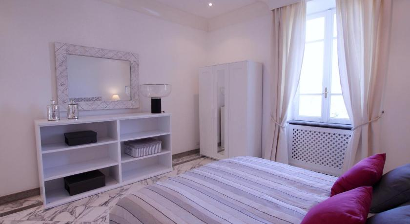 Three-Bedroom Apartment Diamante