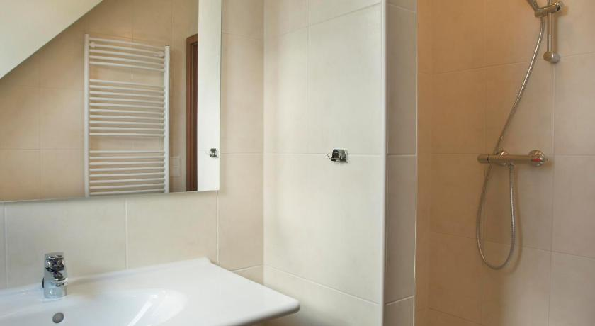 Deluxe Quadruple Room - Bathroom Hotel Ferienresort Cochem