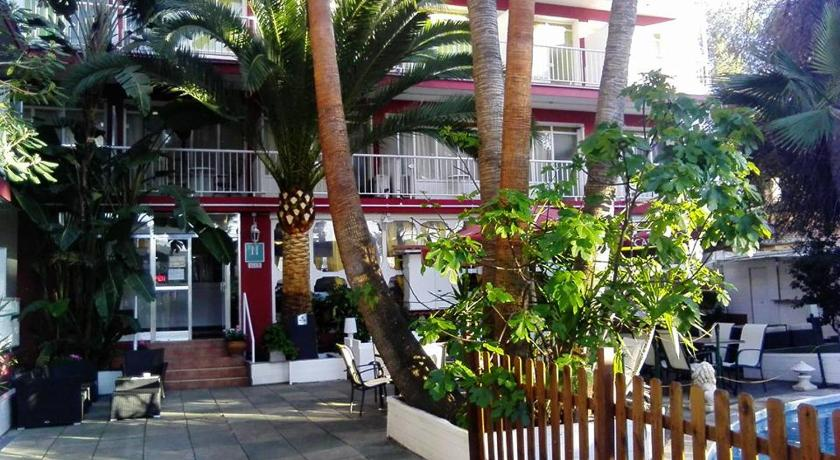 More about Hostal Alce