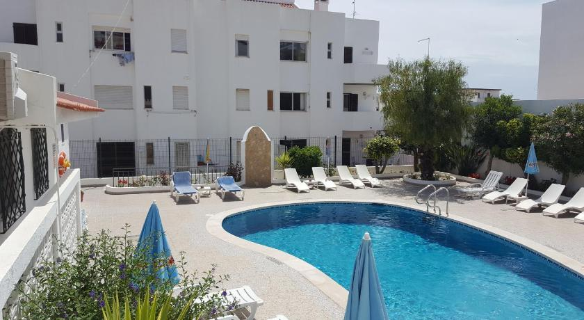 Swimmingpool Apartamentos Julieta