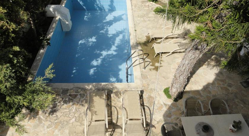 Swimming pool Villa Arokaria